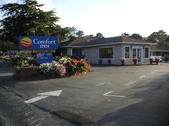 Comfort Inn Monterey by the Sea: View from the entrance