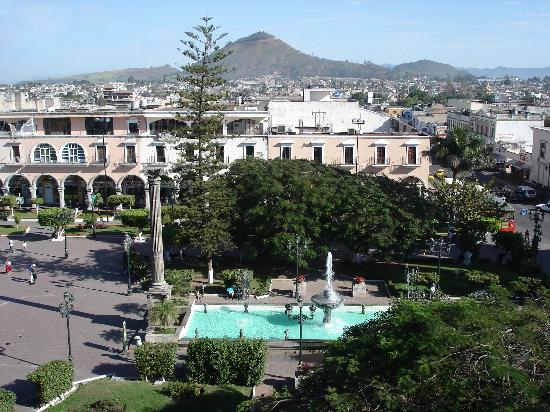 Hotel Fray Junipero Serra: Main Plaza in Tepic