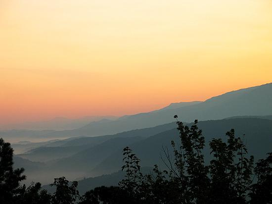 ‪‪Great Smoky Mountains National Park‬, ‪Tennessee‬: Sunrise over the Smokies‬