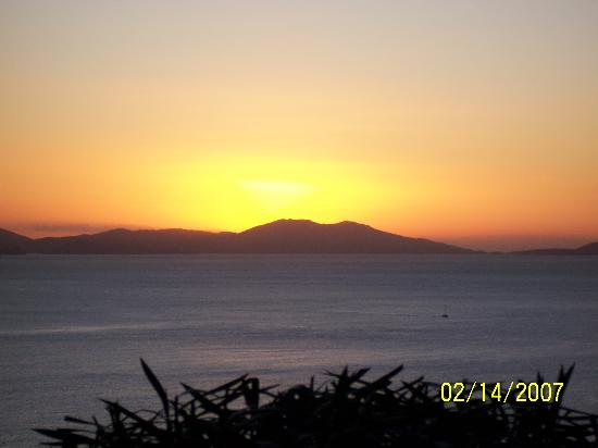 Elm Beach Suites: The sad day I left the island
