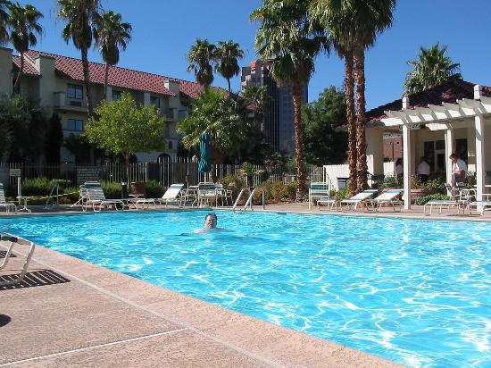 La Quinta Inn & Suites Las Vegas Airport N Conv.: Nice pool!