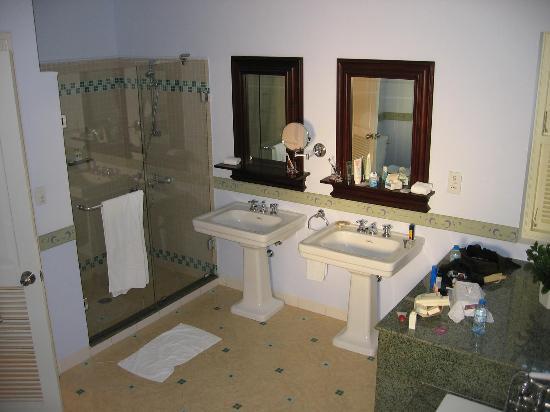 La Veranda Resort Phu Quoc - MGallery Collection: bathroom