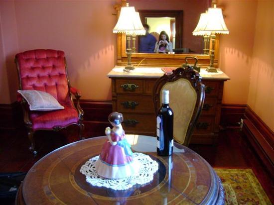Victorian Heritage: Pink Room
