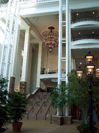GuestHouse Inn & Suites Nashville/Music Valley : Opryland Gaylord Resort