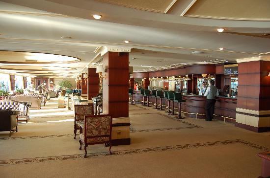 Renaissance Polat Istanbul Hotel : Bar Again!