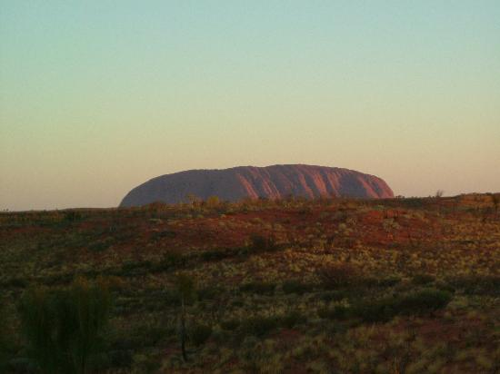 Red Centre, Αυστραλία: The Rock on SOS night