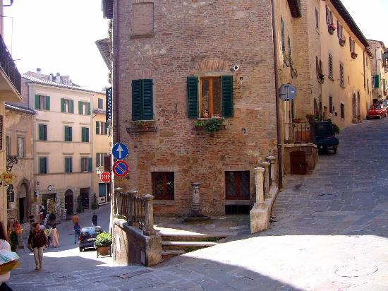 Main Street, Cortona