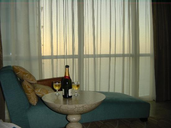 JA Oasis Beach Tower: Main bedroom (champers not included).