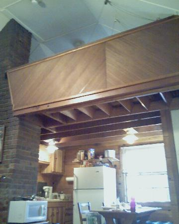 Tahoma Lodge: view of loft from living room