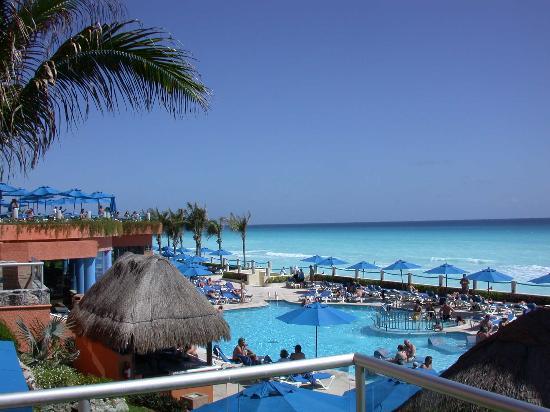 Occidental Tucancun: pool