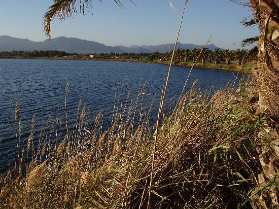 Sardegna, Italia: The Laguna di Nora looking towards the mountains