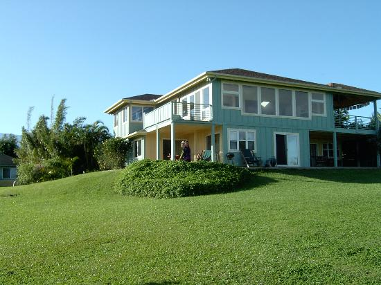 Maui Ocean Breezes: The house