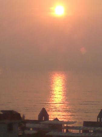 Nanyang Seascape Hotel : Sunrise view from hotel room