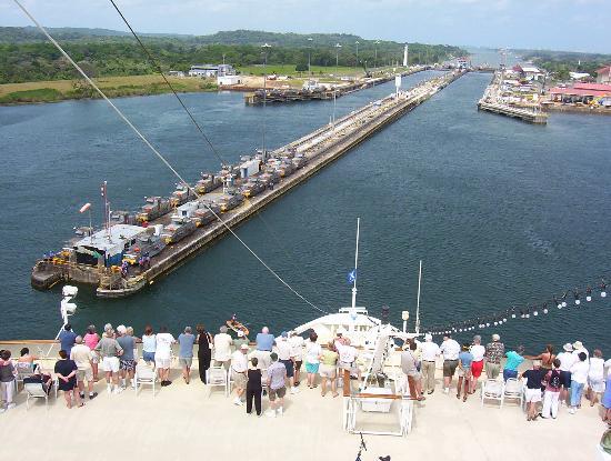 Panama-kanalen: Spot the rowing boat