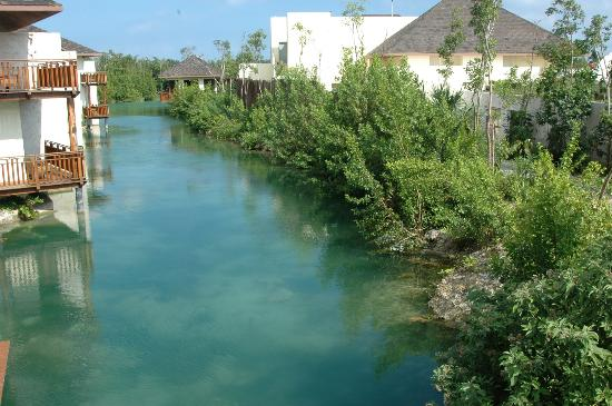 Fairmont Mayakoba : another typical lagoon view