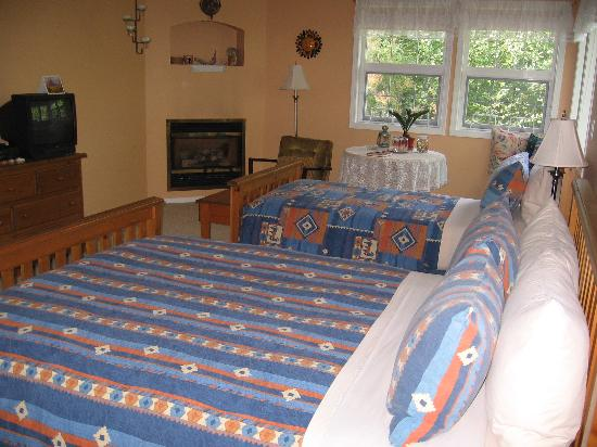 Seafarer's Bed and Breakfast: Santa Fe Room