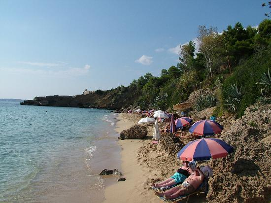 Lassi, Hellas: Looking north along the same stretch of beach