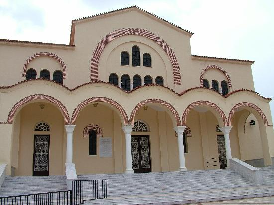 Cephalonia, Greece: The new cathedral is still unfinished and is still having wonderful frescoes painted inside