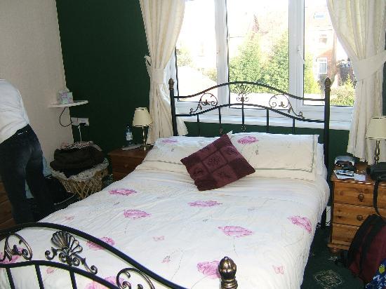 Highbury Guest House: The Bedroom