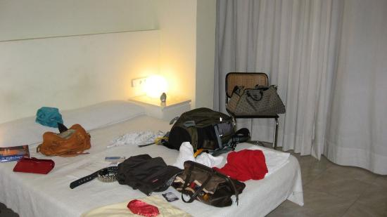 Barcelona City Centre Hostal: Our room was very clean and very spacious