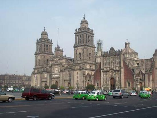 Hostel Mundo Joven Catedral: This is Zocalo plaza