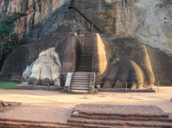 Sigiriya, Sri Lanka: The last stage of the climb