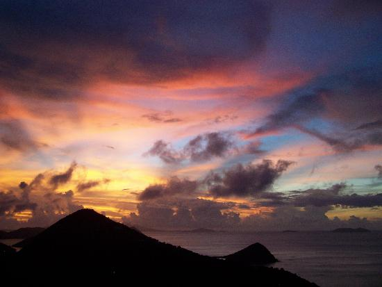Tortola: Sunset over Long Bay