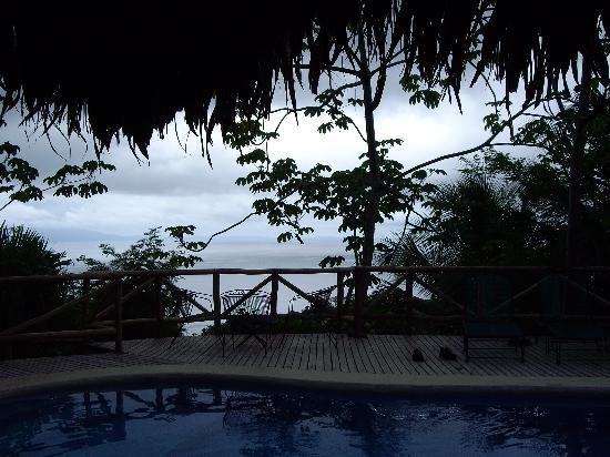 Lapa Rios Ecolodge Osa Peninsula: the pool at dusk