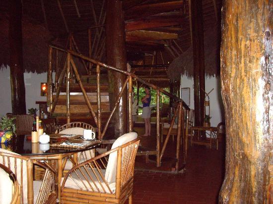 Lapa Rios Ecolodge Osa Peninsula: dining room/lodge area