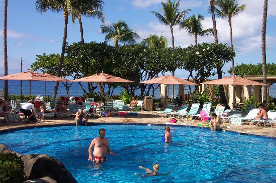 Pool area and beach - Picture of Marriott's Maui Ocean Club