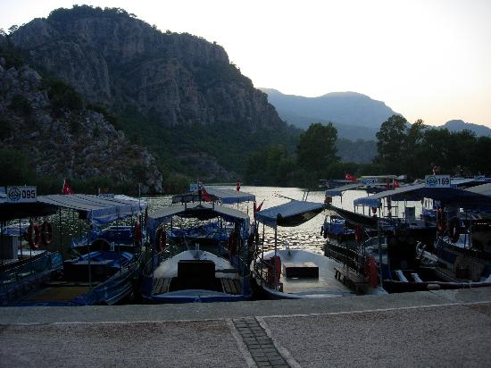 Asur Hotel & Aparts & Villas: The riverside in Dalyan