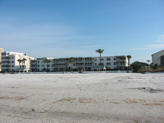 The Casa Blanca: Casa Blanca from the beach