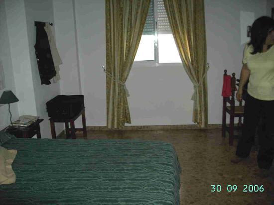 Hotel Arunda II: dormitorio