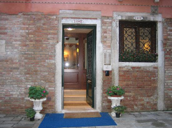 Residence Corte Grimani: front entrance