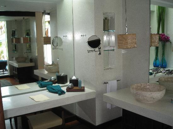 Four Seasons Resort Koh Samui Thailand : Bathroom