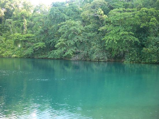 Moon San Villa: Blue Hole