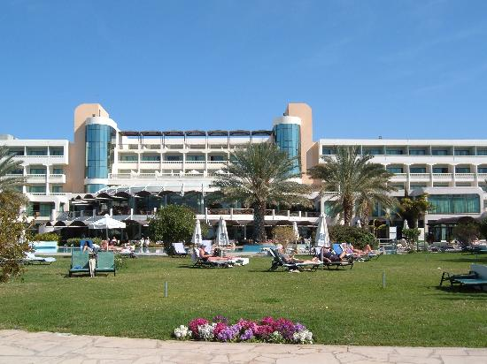 Constantinou Bros Athena Beach Hotel: Rear of hotel