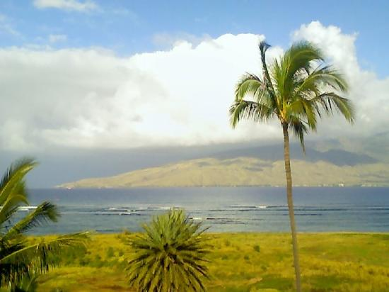 Kauhale Makai, Village by the Sea: Another view to the bay