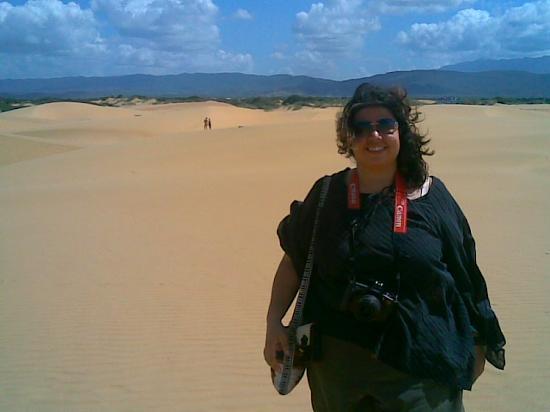 Medanos de Coro National Park: Vanessa in the desert