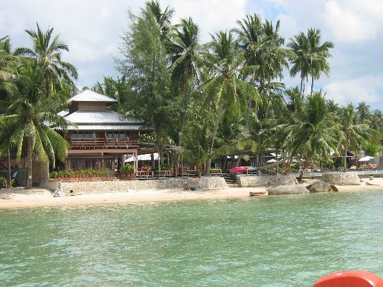 Sunset Cove Resort: Resortview from water