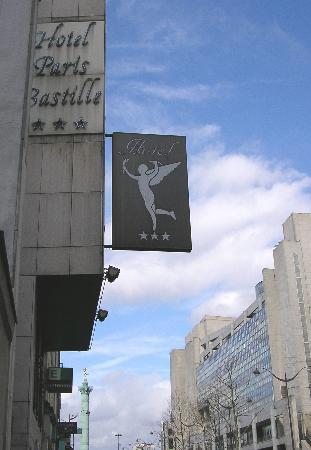 Hotel Paris Bastille: Hotel Bastille Exterior