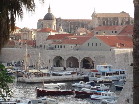 Hilton Imperial Dubrovnik : The Old city's harbour