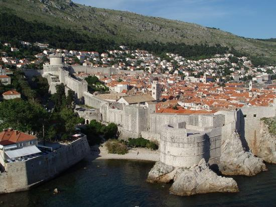 Hilton Imperial Dubrovnik : The city's walkable walls