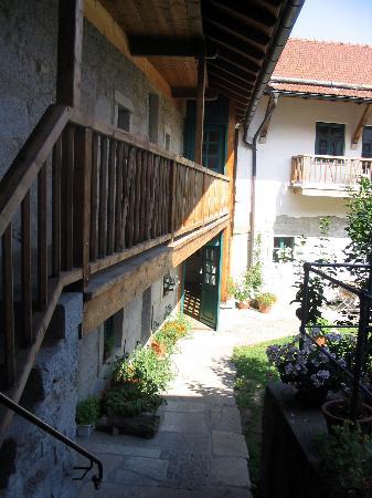 Naturhotel Gidibauer Hof: courtyard