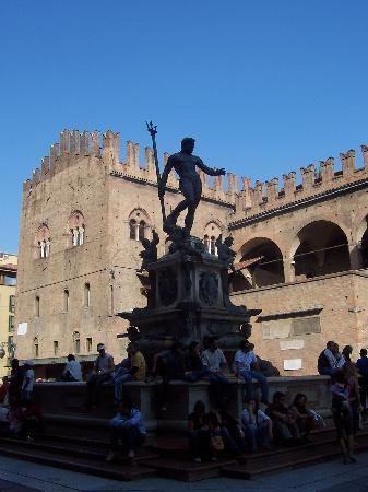 Bologna, İtalya: Piazza Nettuno