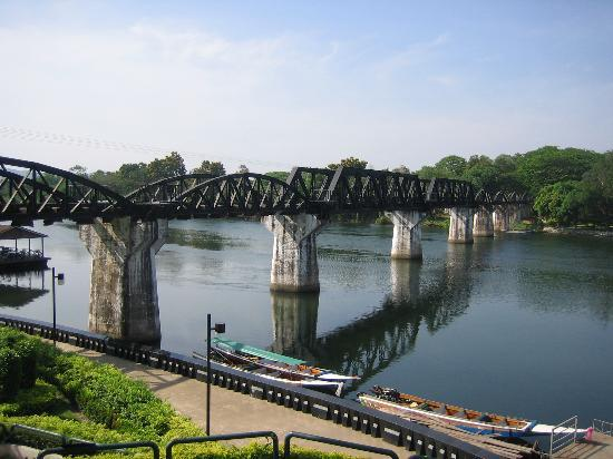 Kanchanaburi, Thailandia: Bridge on the River Kwai
