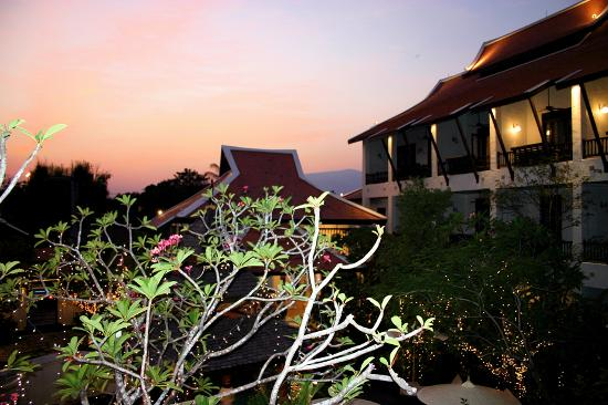 Puripunn Baby Grand Boutique Hotel: Sunset view from balcony