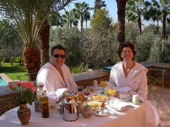 فندق دار أينيوين: on the terrace