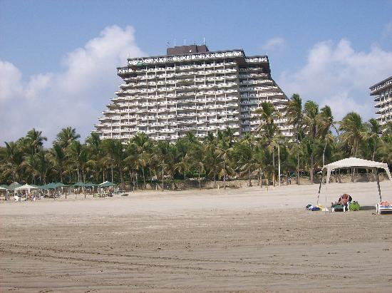 Princess Mundo Imperial Hotel Pyriamid Tower From The Beach