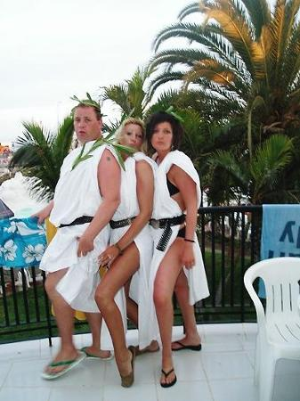 Las Buganvillas Apartments : toga party night